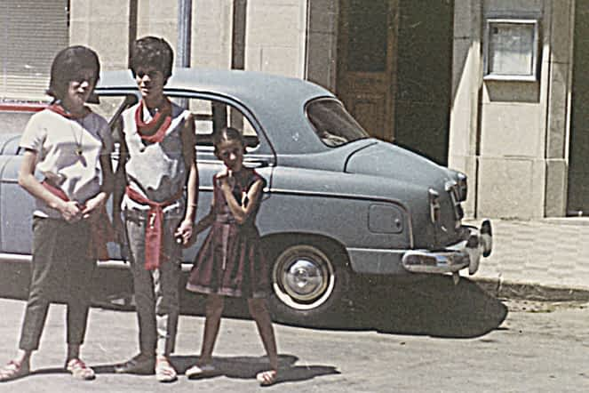 Fiestas de 1962. Mª Ángeles y Meli Mañeru con su sobrina Begoña Astarriaga