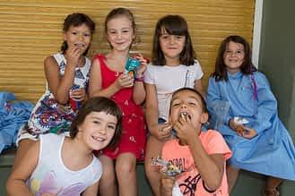 El recreo permitió a los alumnos y alumnas ponerse al día sobre el verano.