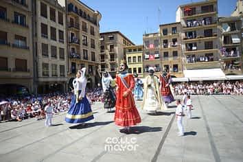 15-08-06 - fiestas de estella - revista calle mayor (17)
