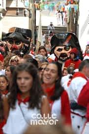 15-08-01 - fiestas de estella - revista calle mayor (2)