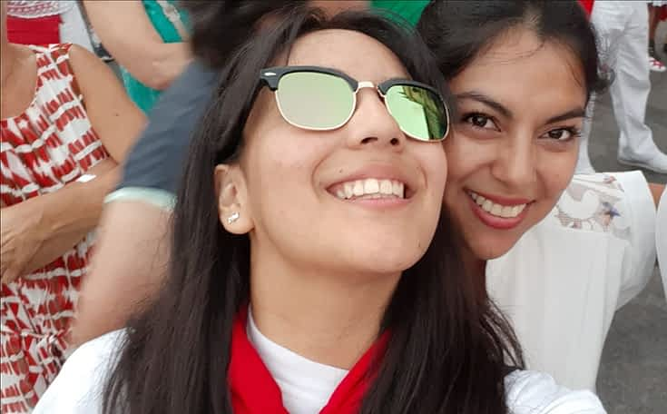 Las hermanas Yadi y Jenni. Fiestas de Estella de 2019.