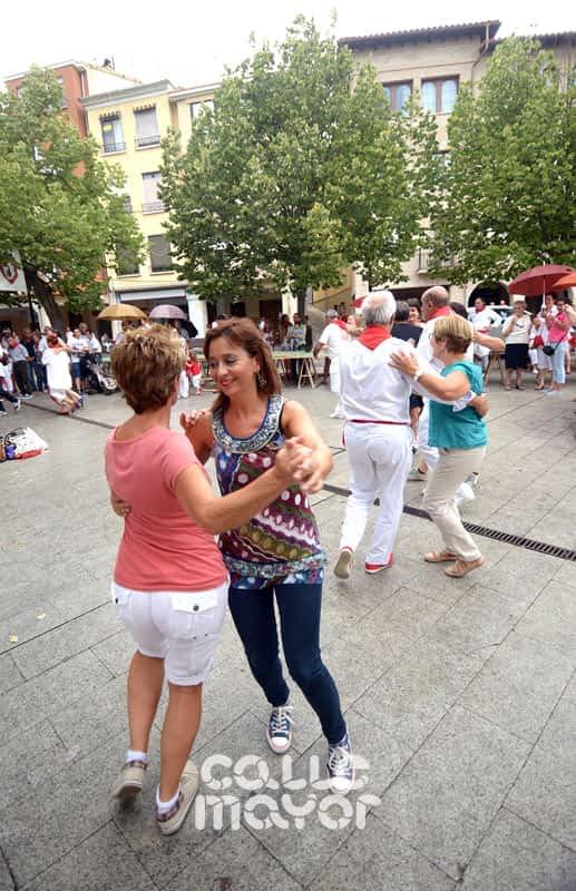 15-08-03 - fiestas de estella - revista calle mayor (14)