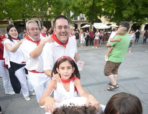 15-08-01 - fiestas de estella - revista calle mayor (21)