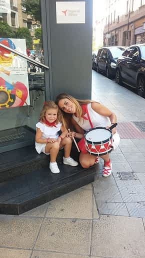 Samantha Echarri Michelena y su hija, Claudia Abárzuza Echarri. Fiestas de Estella de 2019.