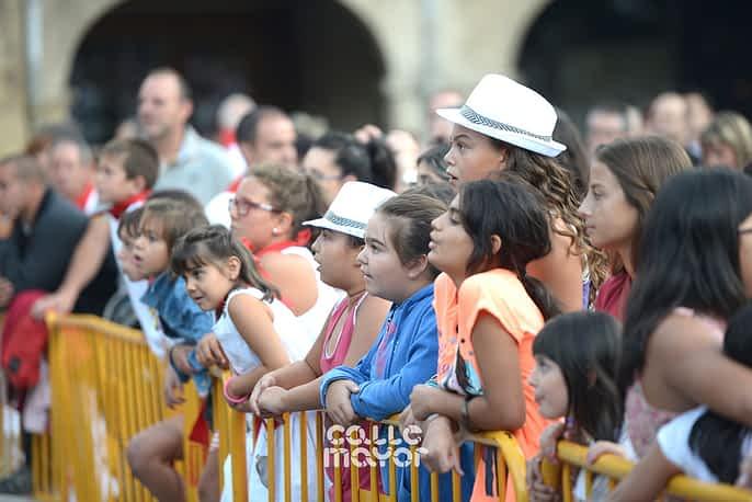 15-08-01 - fiestas de estella - revista calle mayor (23)