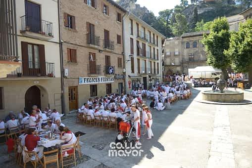 15-08-02 - fiestas de estella - revista calle mayor (3)