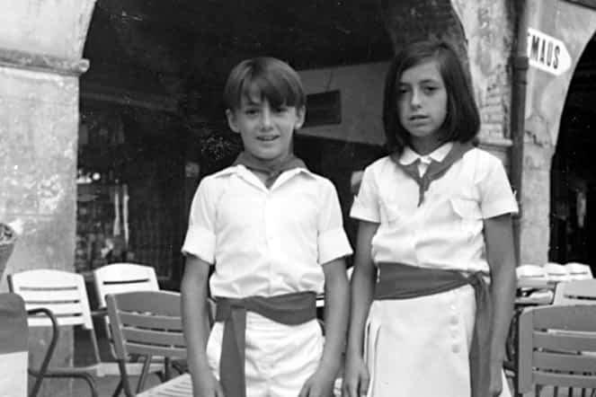 1971. Ana Espiga y su primo Fernandito.