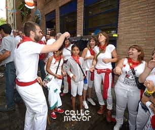 15-07-31 - fiestas de estella - revista calle mayor (25)