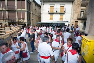 Muestras de celebración en los primeros compases de la fiesta.