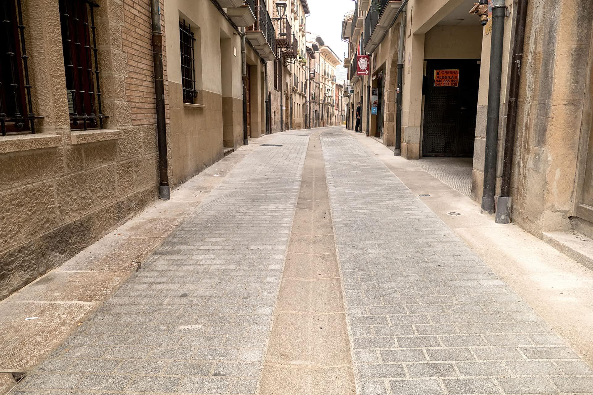 Terminan las obras en la calle La Rúa