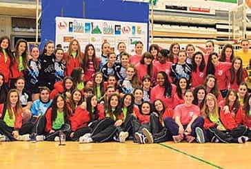 Fiesta del balonmano en el polideportivo Tierra Estella