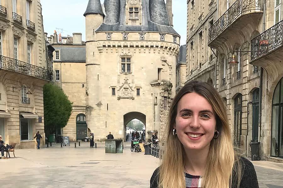 """TIERRA ESTELLA GLOBAL – María Jordana Ochoa – Bordeaux – """"Mis alumnos están orgullosos de sus raíces y quieren conocer más sobre la cultura vasca"""""""