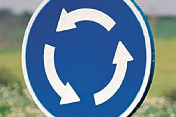 La construcción de una rotonda en la parte alta de Merkatondoa desvía el tráfico durante tres meses