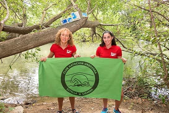 PRIMER PLANO - Arancha Ruiz de Larramendi y Eli Peña, nadadoras - 'Reinas' con triple corona
