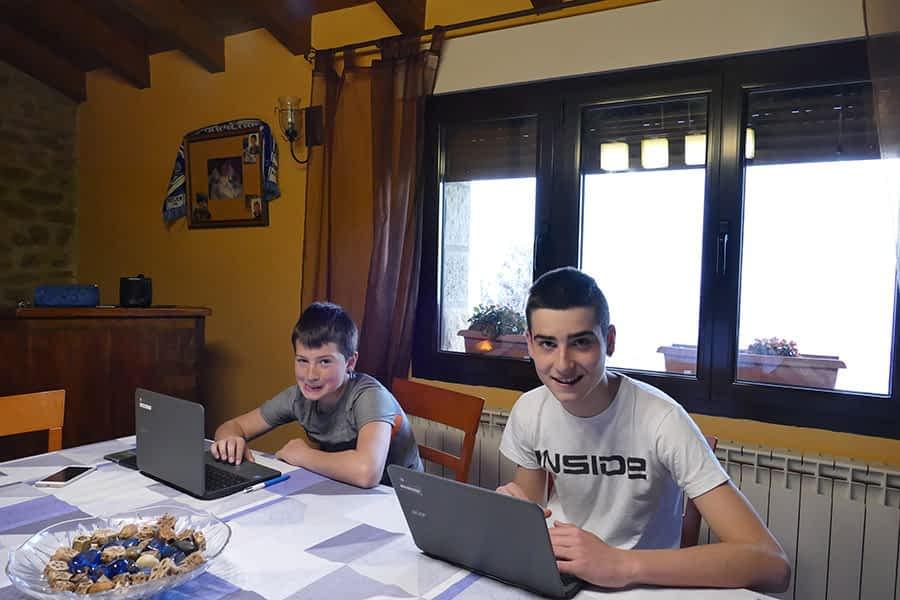 Profesores y alumnos se adaptan a la educación telemática