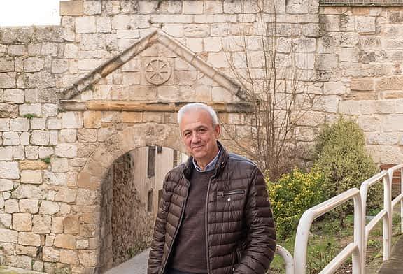 """ENTREVISTA - MAXI RUIZ DE LARRAMENDI - Presidente de la Asociación de Amigos del Camino de Santiago de Estella - """"El Camino hay que cuidarlo porque es riqueza"""""""