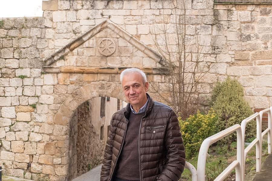 """ENTREVISTA – MAXI RUIZ DE LARRAMENDI – Presidente de la Asociación de Amigos del Camino de Santiago de Estella – """"El Camino hay que cuidarlo porque es riqueza"""""""