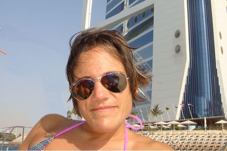 """TIERRA ESTELLA GLOBAL – Maite Pinillos – Dubai – """"Aquí la vida es muy cara y, sin una buena oferta de trabajo, imposible"""""""