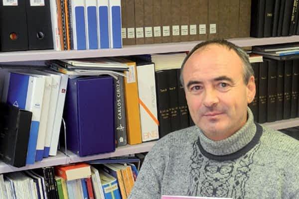 Christopher Caro publica su primer poemario