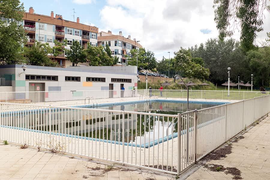 Las piscinas se preparan para una temporada atípica
