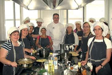 Un curso de cocina retoma la actividad formativa  en el Servicio Doméstico