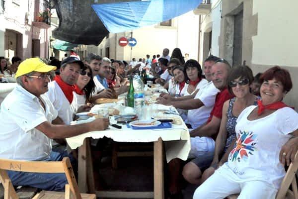 300 personas al son de la pochada en Villatuerta