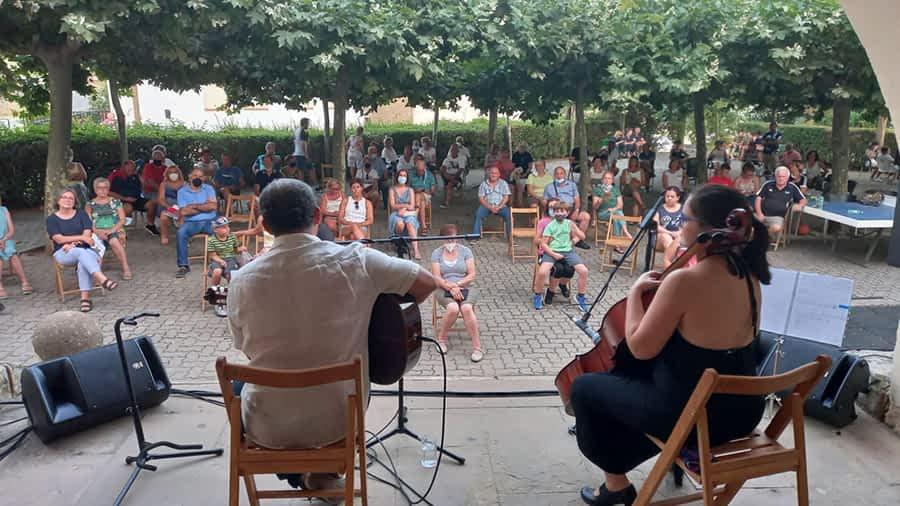 Gran acogida del recital 'Música y mujer' en Desojo