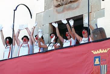 El humor dio paso al susto en el primer momento festivo de Mañeru