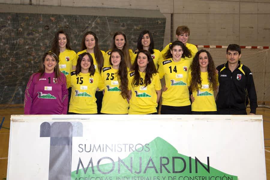 El equipo sénior femenino del BM Lizarreria, líder