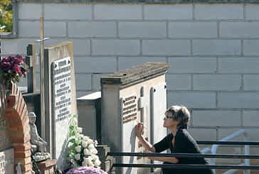 Los cementerios se preparan para la celebración de Todos los Santos