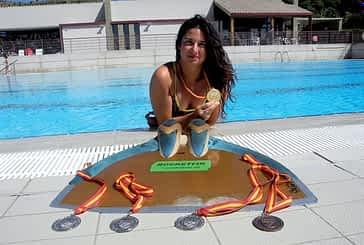 """Leire Remírez. """"Nadamos como las sirenas, y se necesita mucha flexibilidad y fuerza"""""""