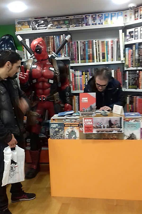 La librería Dragon Comics acogió la presentación de 'Arde Cuba'