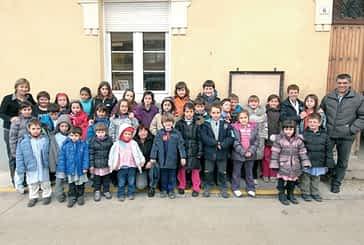 Abárzuza graba un 'lip dub' en defensa de la escuela rural