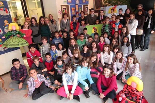Los trabajos de Santa Ana sobre Miró y Velázquez  se exponen en Educación
