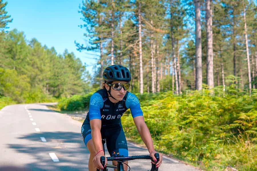 """Ainara Elbusto – """"En la próxima temporada  me gustaría mejorar y  crecer como ciclista"""""""