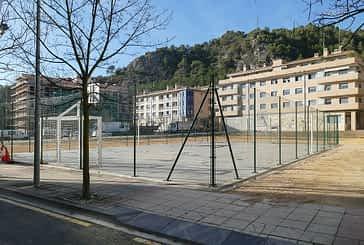 El Ayuntamiento habilita una pista deportiva en el Sector B