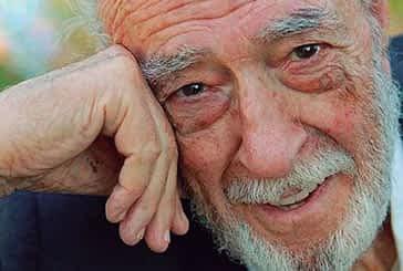 Irujo Etxea reconoce la trayectoria artística de Néstor Basterretxea