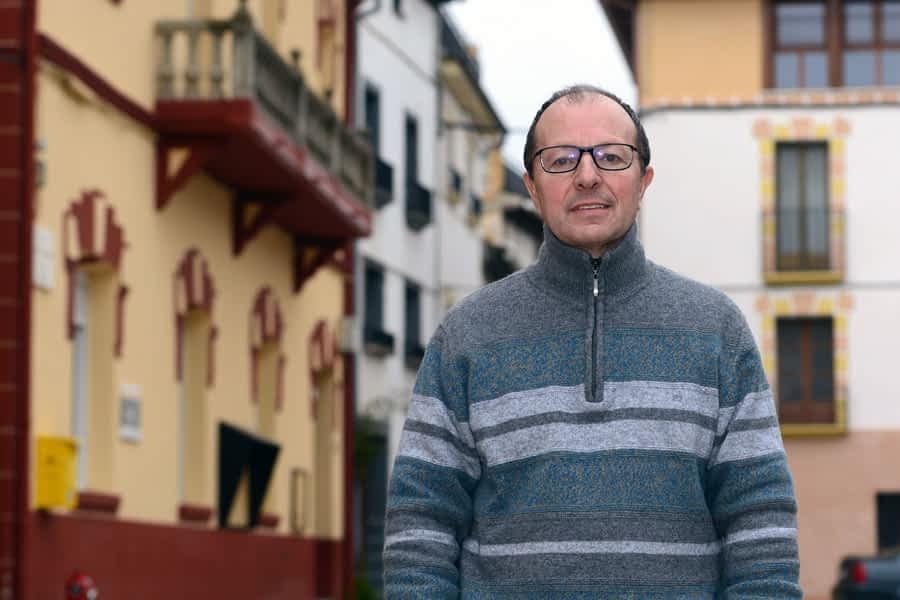"""NUESTROS ALCALDES – Miguel Ros – Abárzuza – """"La escuela rural es un proyecto de suma importancia para la revitalización de pueblos y valles"""""""