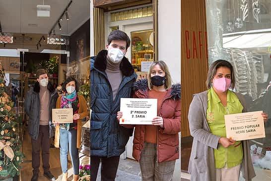Floristería Cúrcuma, Sus Cosméticos Bio y Samar Estética Integral, escaparates de premio