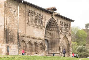 Medio millar de personas visitaron el Santo Sepulcro en Semana Santa