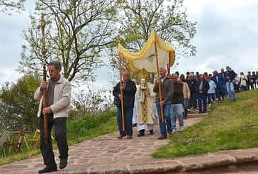 Intercambio de varas y bendición de campos en San Gregorio Ostiense