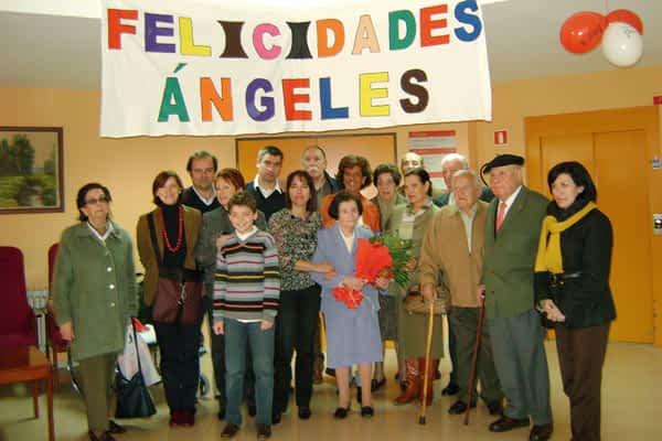 Ángeles Miquélez cumplió cien años en la residencia La Luz