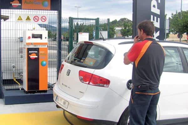 Área 99 ofrece recarga de gas para automoción