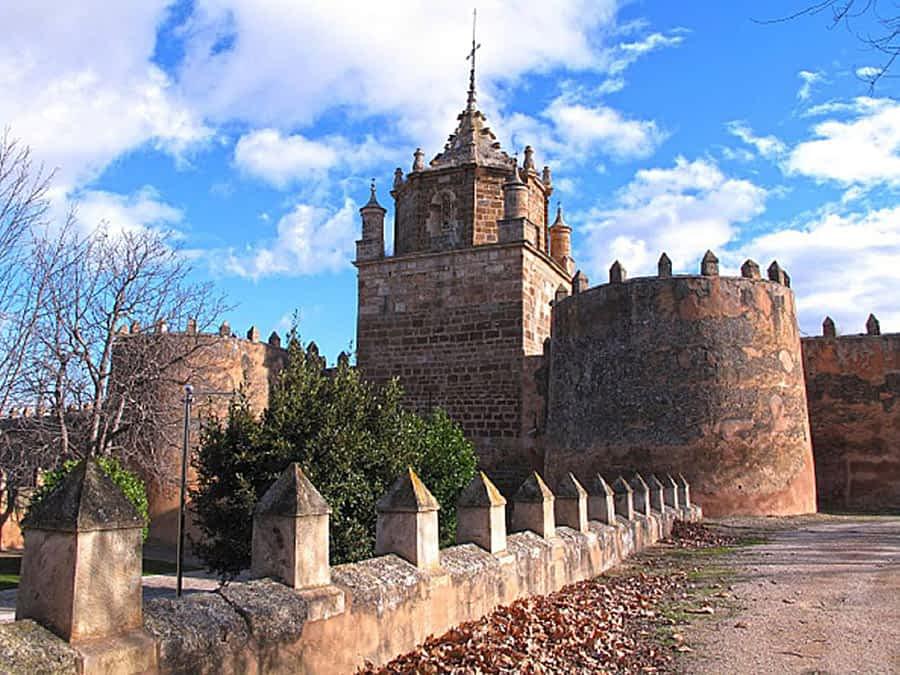 La Asociación de Mujeres Mendisaura organiza una excursión al monasterio de Veruela y Tarazona y un viaje a Valencia