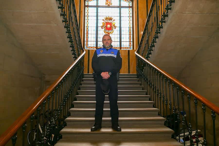 """PRIMER PLANO – Rodrigo García de Galdiano, jefe de la Policía Municipal – """"El nuevo sistema de la zona azul no funciona tal  y como está pensado"""""""