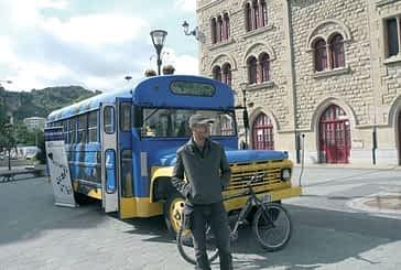 Un llamativo autobús contribuye a sensibilizar sobre el reciclaje