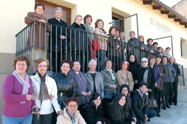 Una conferencia sobre el sueño y una comida, en el Día de la Mujer de Azuelo