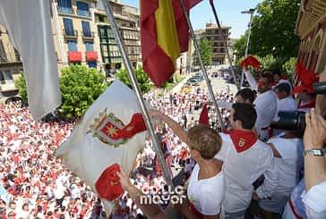 Domingo, procesión y pañuelada - 02-08-2015