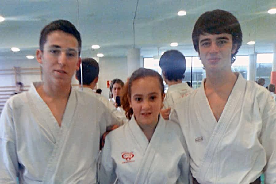 Cinturones negros para Igor Busto, Jon Napal y Amaia Esparza, del gimnasio El Puy