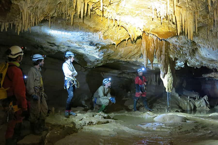 ASOCIACIONES – Grupo de Espeleología de Estella – Pasión por explorar y dar a conocer el mundo subterráneo